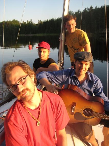 Saimaan Runokiertue 2009 vas. dokumentaristi Ismo Torvinen, Miika Nuutinen, Sakari Männistö ja JR