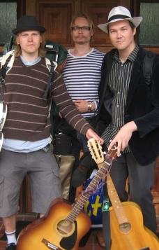Topi Paalanen, Samuli Laurinkainen ja Juha Rautio (Raution kotialbumi 2008)